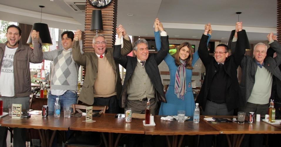 9.jul.2012 - Manuela D'Ávila, candidata do PC do B à Prefeitura de Porto Alegre, apresentou na manhã desta segunda-feira (9) o grupo de coordenação política da sua campanha na capital gaúcha