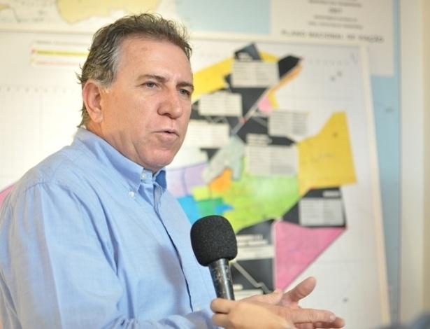 17º - Edson Giroto (PMDB) - Giroto, que concorre à Prefeitura de Campo Grande, informou ao TSE que tem R$ 2 milhões. Entre os bens está um apartamento de R$ 475 mil e parte de uma fazenda no valor de R$ 354 mil
