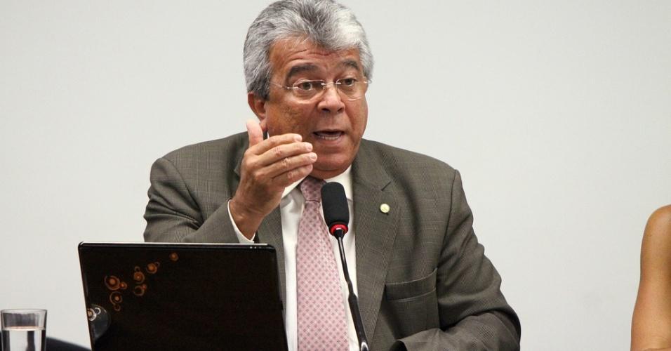 18º - Almeida Lima (PPS) - O candidato a prefeito de Aracaju disse ter R$ 1,9 milhão. Entre os itens declarados está uma casa de R$ 770 mil e R$ 572 mil em dinheiro
