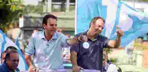 Paes (e) e Cabral em carreata durante a campanha de 2012 para a prefeitura do Rio - Divulgação