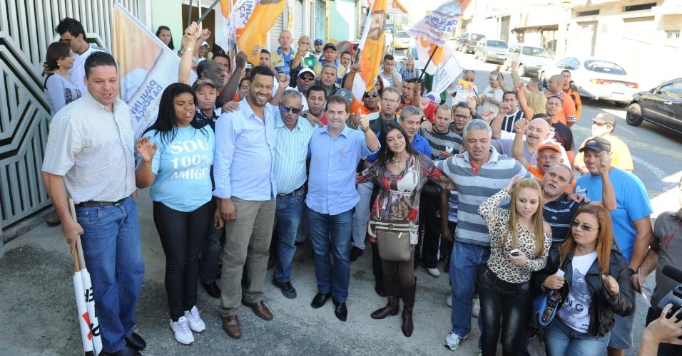 22.jul.2012 - O candidato do PDT à Prefeitura de São Paulo, Paulinho da Força, fez caminhada neste domingo (22) no bairro Jardim Cisper, zona leste da cidade