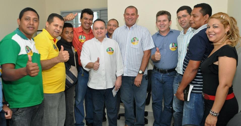 26.jul.2012 - Mauro Mendes, candidato à Prefeitura de Cuiabá pelo PSB, apresentou seu plano de governo para integrantes do Sindicato dos Vigilantes de Cuiabá e região nesta quinta-feira