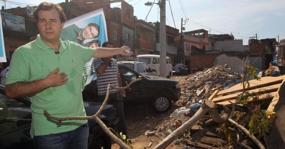 29.jul.2012 - O candidato do DEM à Prefeitura do Rio de Janeiro, Rodrigo Maia, visitou neste domingo o Complexo do Alemão, na zona norte da cidade