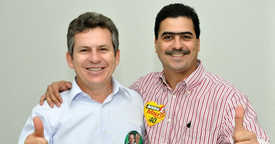 31.jul.2012 - Mauro Mendes (à esq.), candidato do PSB à Prefeitura de Cuiabá, se reuniu nesta terça-feira com representantes do Sindicato das Empresas de Transporte Público Alternativo de Passageiros do Estado de Mato Grosso