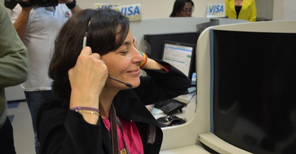 31.jul.2012 - Soninha Francine, candidata do PPS à Prefeitura de São Paulo, visitou nesta terça-feira uma empresa de telemarketing no bairro da Água Funda, zona oeste da capital paulista