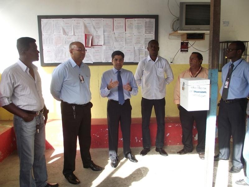 1.ago.2012 - ACM Neto, candidato do DEM à Prefeitura de Salvador, se reuniu nesta quarta-feira com integrantes da Associação dos Taxistas do Aeroporto Deputado Luis Eduardo Magalhães