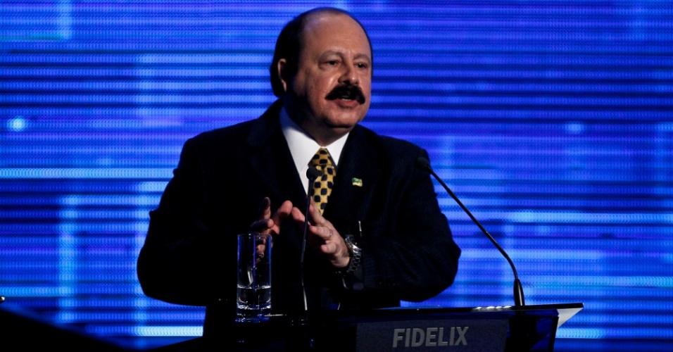 2.ago.2012 - SÃO PAULO - O candidato do PRTB à Prefeitura de São Paulo, Levy Fidelix, faz críticas a atual administração de São Paulo, durante o debate