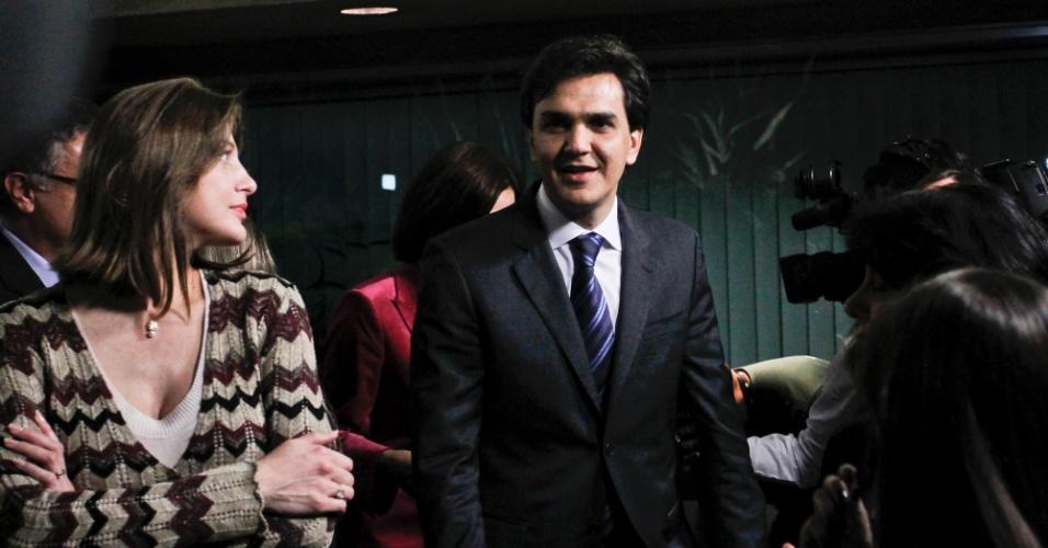 2.ago.2012 - SÃO PAULO: O candidato do PMDB à Prefeitura de São Paulo, Gabriel Chalita, chega ao debate da TV Bandeirantes