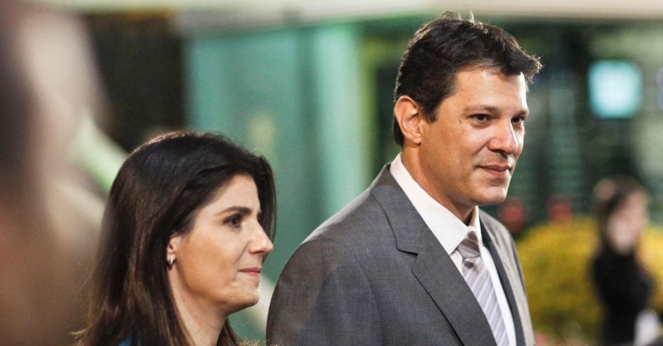 2.ago.2012 - O candidato do PT à Prefeitura de São Paulo, Fernando Haddad, chega ao debate da TV Bandeirantes