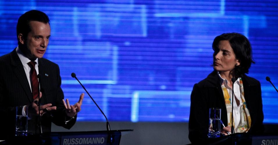 2.ago. 2012 - SÃO PAULO - O candidato do PRB, Celso Russomanno, critica a sistema de progressão continuada imposto na cidade de São Paulo