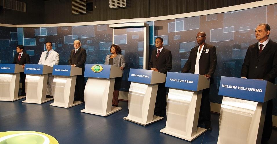 2.ago.2012 - SALVADOR: O discurso dos candidatos à prefeitura durante o debate da TV Bandeirantes foi marcado pelo apoio dos governos estadual e federal