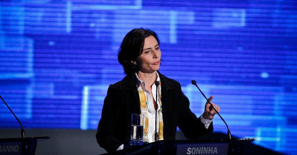 2.ago.2012 - SÃO PAULO: Soninha Francine (PPS) falou de sua carreira como jornalista e apresentadora e disse ficar irritada com os defeitos da cidade