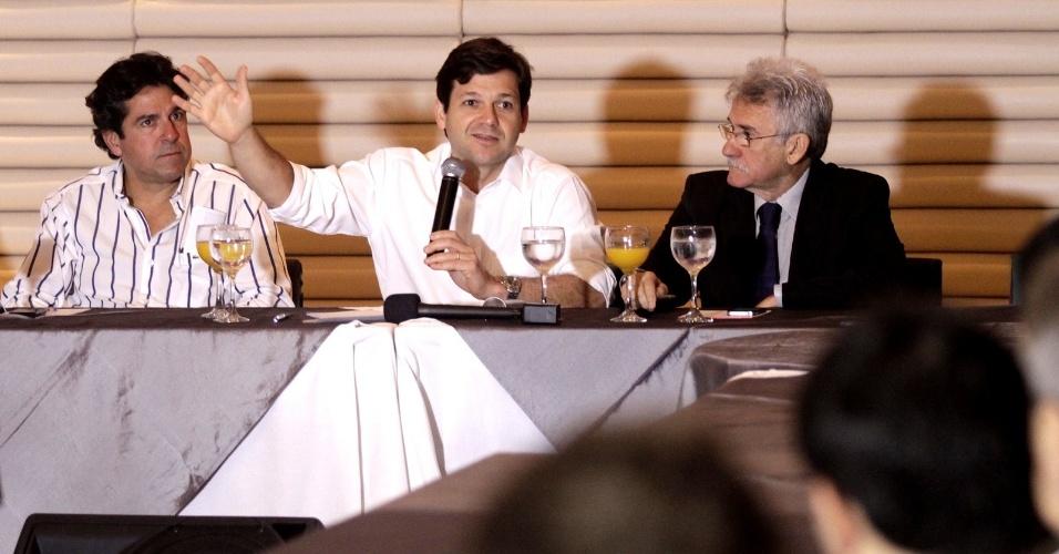 8.ago.2012 - O candidato do PSB à Prefeitura do Recife, Geraldo Julio, se reúne com integrantes da Amcham (Câmara Americana do Comércio) na capital pernambucana