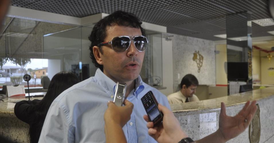 9.ago.2012 - O candidato do PTB à Prefeitura de Manaus, Sabino Castelo Branco, entrou com uma representação contra o Facebook para retirar do site postagens ofensivas contra ele