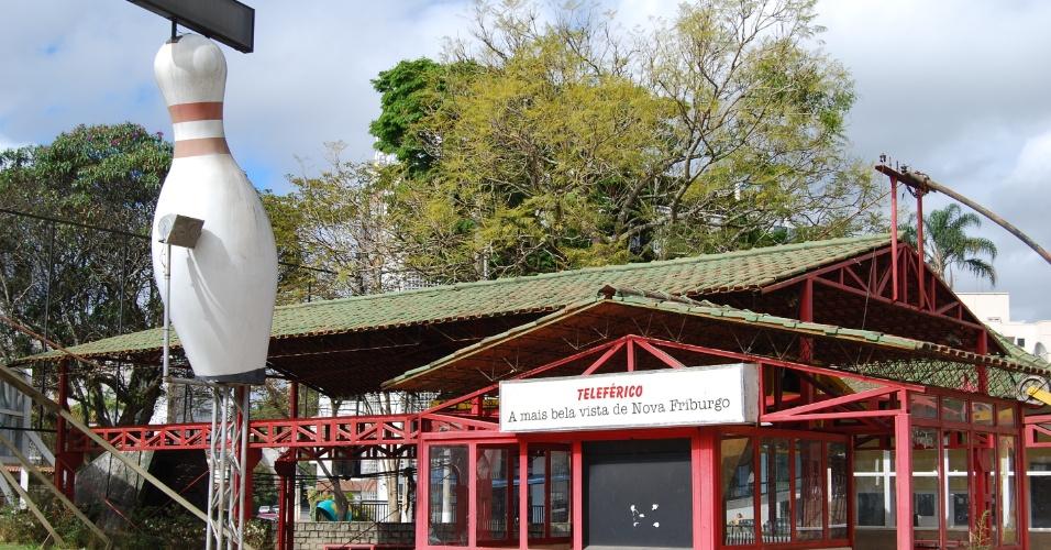 """24.ago.2012 - Principal atração turistica de Nova Friburgo (RJ), o teleférico que promete """"a vista mais bela"""" da cidade continua fechado, sem previsão de reabrir"""