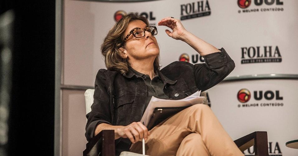 14.ago.2012 - Barbara Gancia, jornalista da Folha de S.Paulo, pergunta o que o candidato acha que está errado na educação na cidade e questiona se ele faz alguma auto-crítica de sua gestão como ex-secretário estadual da Educação em São Paulo de 2002 a 2006