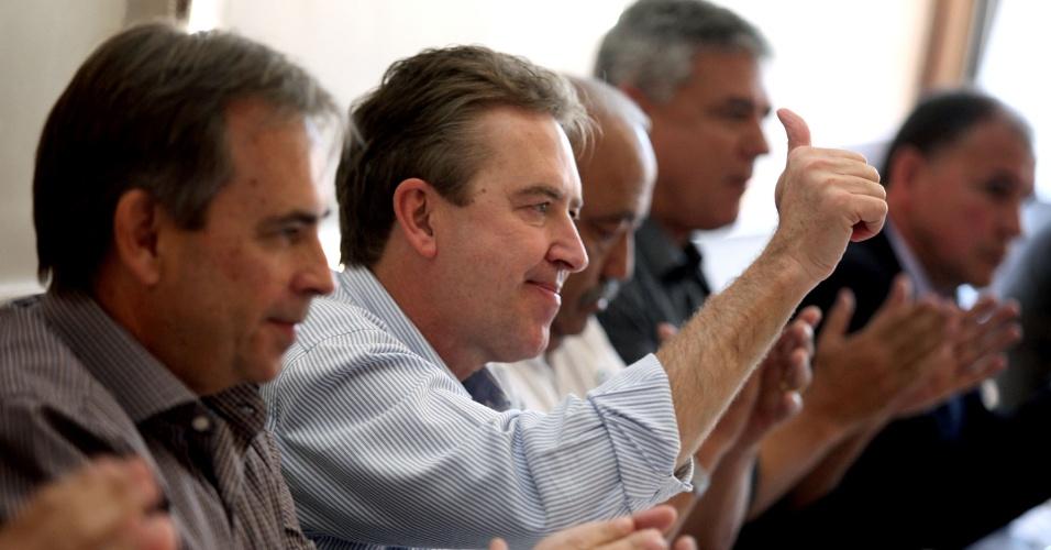 14.ago.2012 - Luciano Ducci, prefeito de Curitiba e candidato à reeleição pelo PSB, se reuniu nesta terça-feira com trabalhadores e sindicalistas da Força Sindical