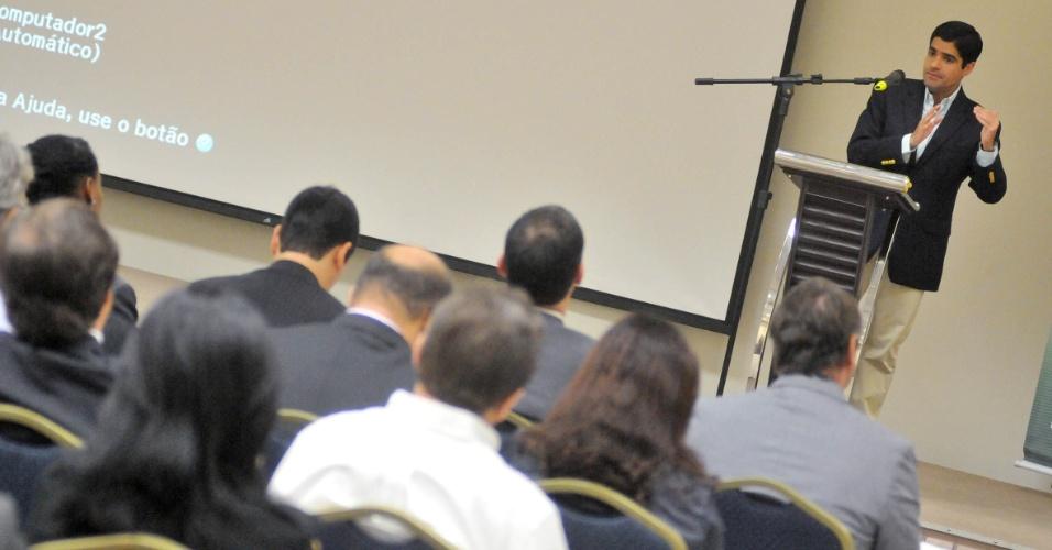 16.ago.2012 - ACM Neto, candidato do DEM à Prefeitura de Salvador, apresentou suas propostas de governo em reunião com representantes da seccional baiana da Associação Brasileira da Indústria de Hoteis, no bairro do Stiep