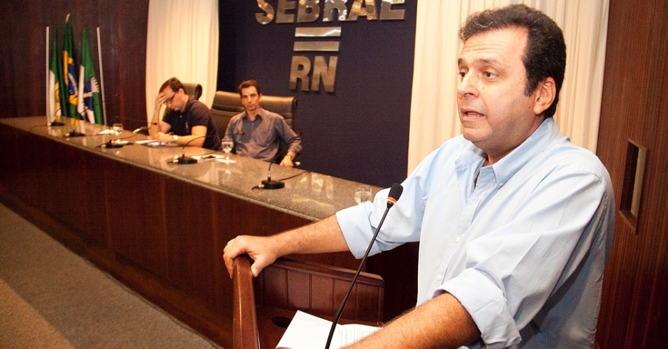 17.ago.2012 - Carlos Eduardo, candidato do PDT à Prefeitura de Natal, apresentou seu plano de governo durante encontro realizado na manhã desta sexta-feira pelo Sebrae