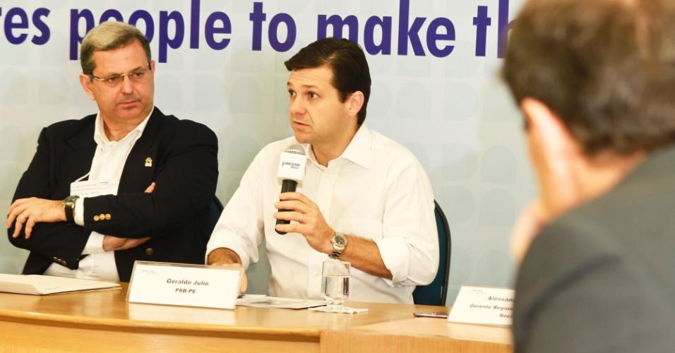 17.ago.2012 - Geraldo Julio, candidato do PSB à Prefeitura do Recife, participou de café da manhã com integrantes da Amcham (Câmara Americana de Comércio), no bairro de Aflitos