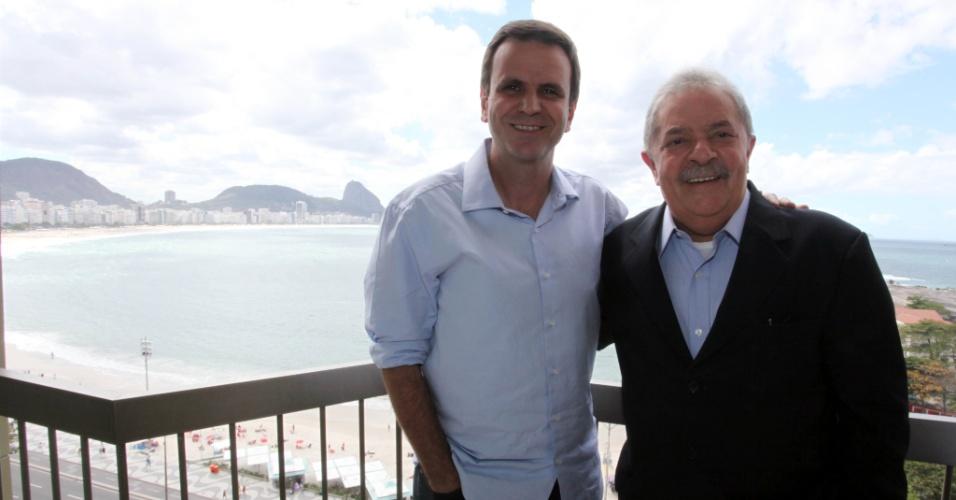 17.ago.2012 - O ex-presidente Lula participou nesta sexta-feira das gravações do programa eleitoral do candidato à reeleição no Rio de Janeiro pelo PMDB, Eduardo Paes, no hotel Sofitel, em Copacabana, zona sul da capital fluminense