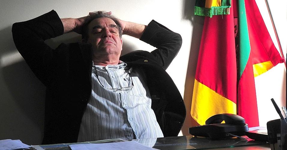 O prefeito de Quevedos (RS), Aldori Flores Vieira (PP), 61, tenta a reeleição e é o único candidato da cidade. Dos nove vereadores da cidade, seis são do partido de Vieira. Outras cidades brasileiras também têm apenas um candidato