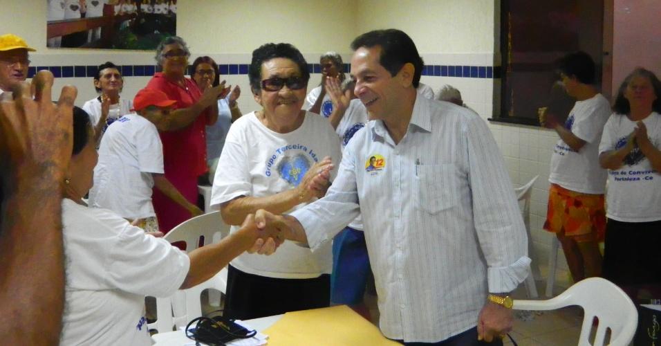 20.ago.2012 - O candidato a prefeito de Fortaleza Heitor Férrer (PDT) defendeu o ensino de tempo integral nas escolas públicas, durante visita nesta segunda-feira à sede da LBV (Legião da Boa Vontade), na Vila Manoel Sátiro