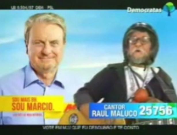 """Cantor Raul Maluco (DEM), candidato a vereador em Belo Horizonte, se compara a Tiririca no seu slogan: """"Não sei o que o vereador faz, mas vote em mim que eu descubro"""""""