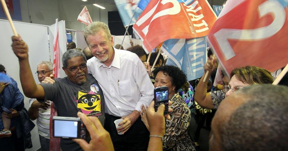 22.ago.2012 - José Fortunati, candidato do PDT à reeleição em Porto Alegre, participou do lançamento do Comitê da Igualdade Racial, nesta quarta