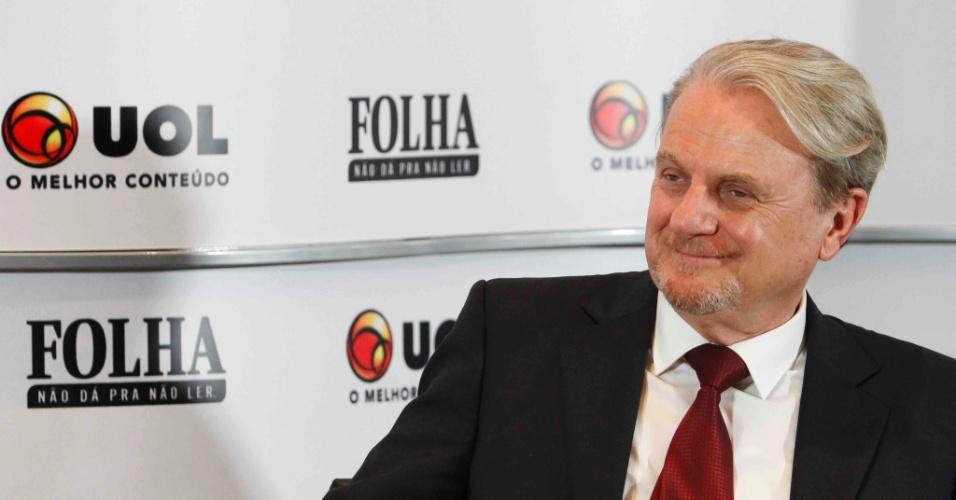 28.ago.2012 - O candidato do PSB à Prefeitura de Belo Horizonte, Marcio Lacerda, participa da sabatina Folha/UOL na capital mineira. De acordo com a última pesquisa Ibope, o socialista ocupa a primeira colocação na corrida eleitoral, com a preferência de 46% do eleitorado
