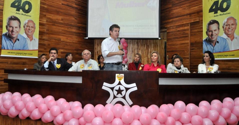 29.ago.2012 - O candidato do PSB à Prefeitura de Cuiabá, Mauro Mendes, apresenta suas propostas de governo durante evento na Associação Mato-grossense dos Municípios