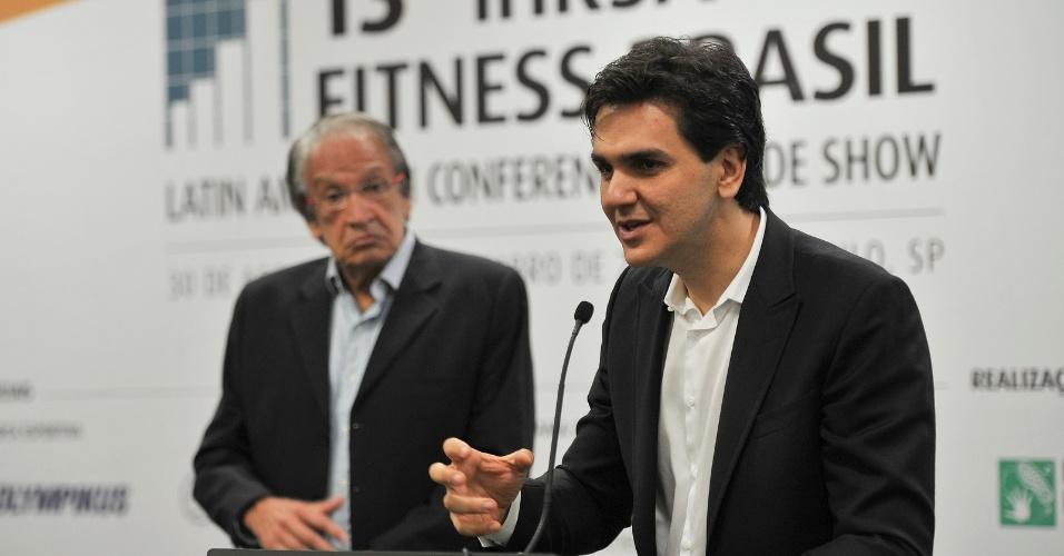 30.ago.2012 - O candidato do PMDB à Prefeitura de São Paulo, Gabriel Chalita, participou da abertura de um encontro de negócios do setor de fitness e bem estar, na zona sul da capital paulista