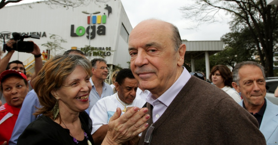 3.ago.2012 - O candidato à Prefeitura de São Paulo José Serra (PSDB) visitou a estação de transbordo de lixo Ponte Pequena