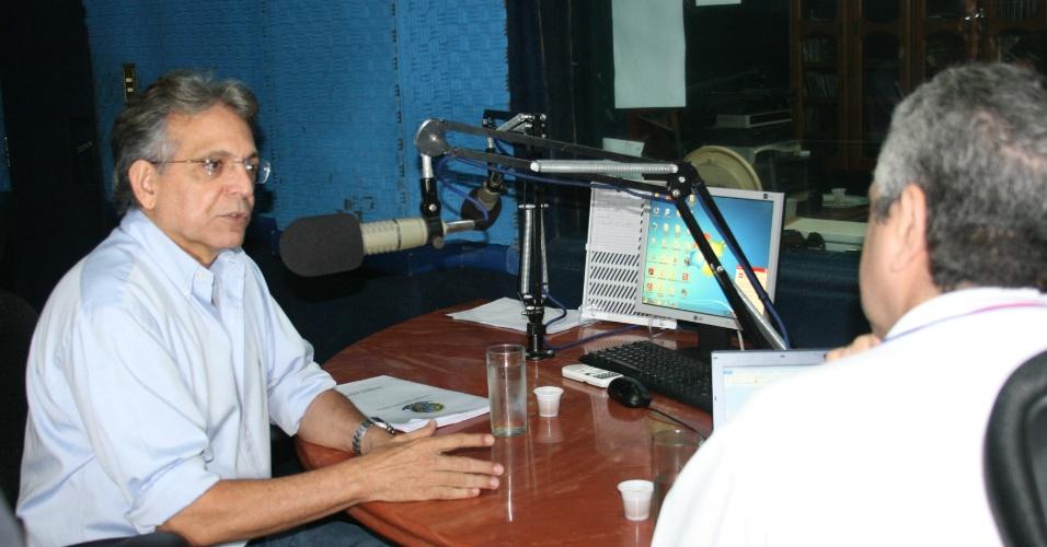 """4.set.2012 - Pauderney Avelino, candidato do DEM à Prefeitura de Manaus, concedeu entrevista nesta terça-feira à rádio """"Difusora"""""""