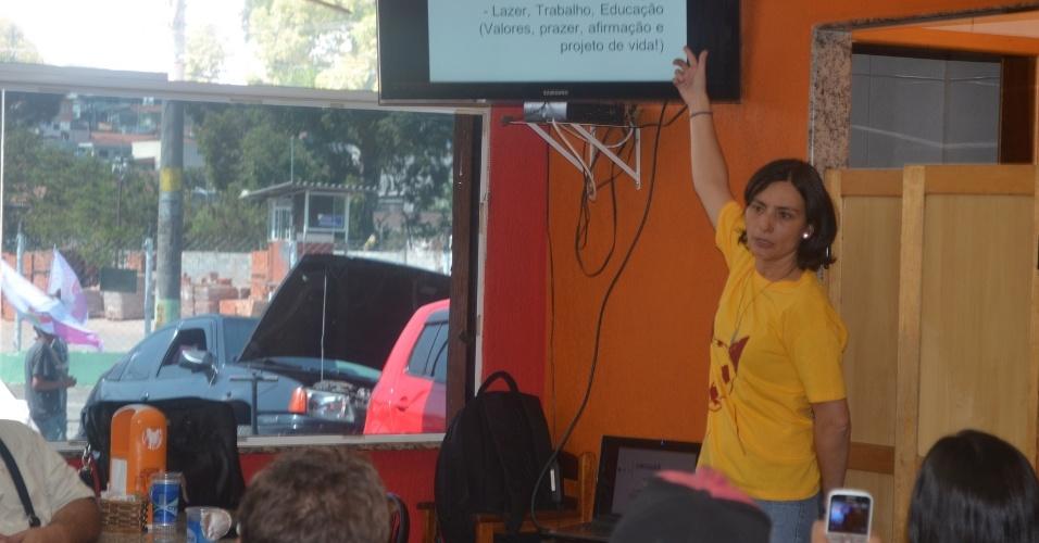 5.set.2012 - A candidata do PPS à Prefeitura de São Paulo, Soninha Francine, apresentou seu plano de governo para lideranças religiosas em uma ONG na capital paulista, na manhã desta quarta