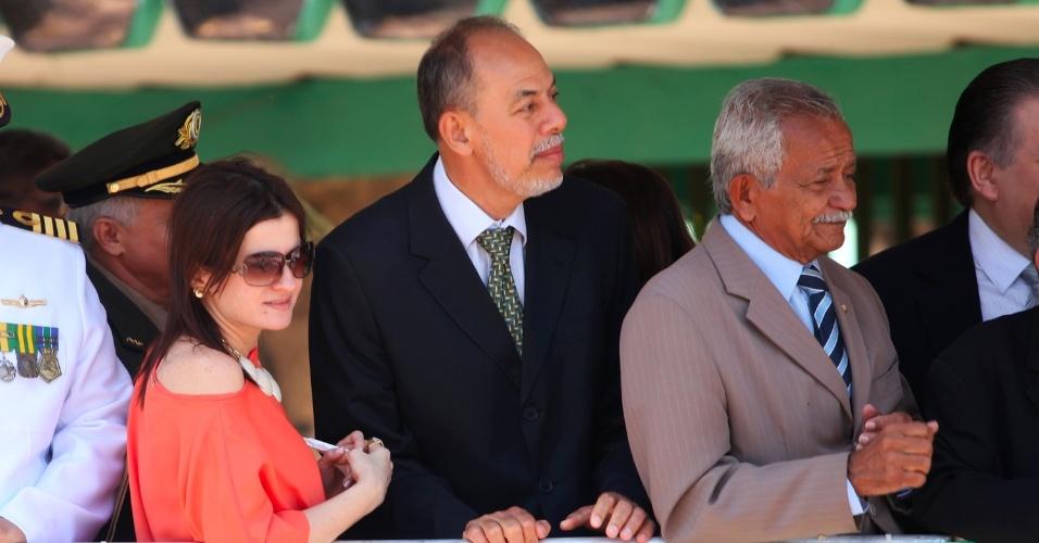 7.set.2012 - Inácio Arruda, candidato a prefeito de Fortaleza pelo PCdoB, participou na manhã desta sexta das comemorações pelo 7 de Setembro