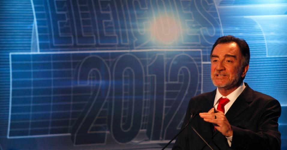 7.set.2012 - O candidato do PT à Prefeitura de Belo Horizonte, Patrus Ananias, participa de debate da Folha/RedeTV!
