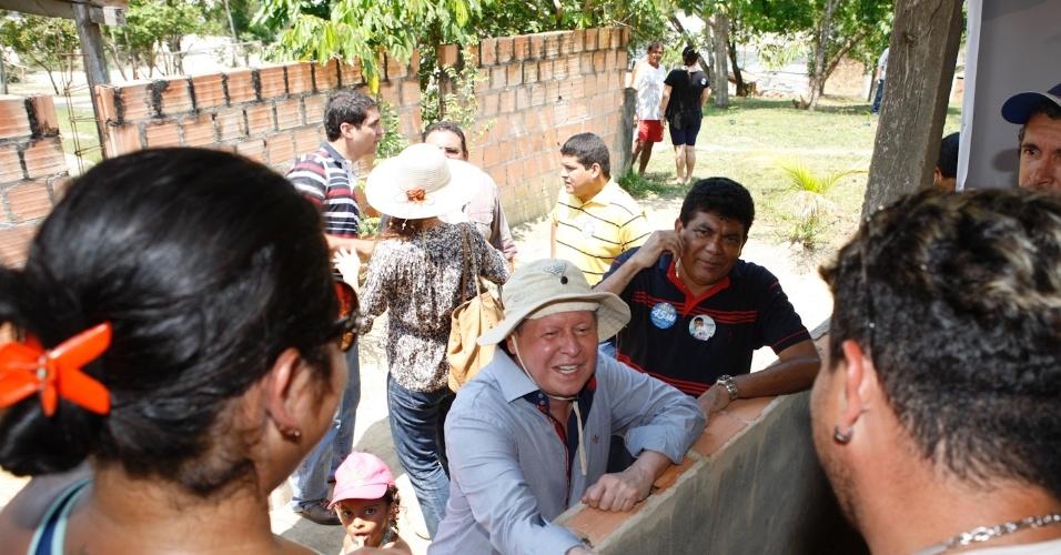 8.set.2012 - Artur Virgílio Neto (PSDB) visitou a comunidade São João do Tupé, localizada a 25 quilômetros do centro de Manaus, situada às margens do Rio Negro e com aproximadamente 150 famílias moradoras
