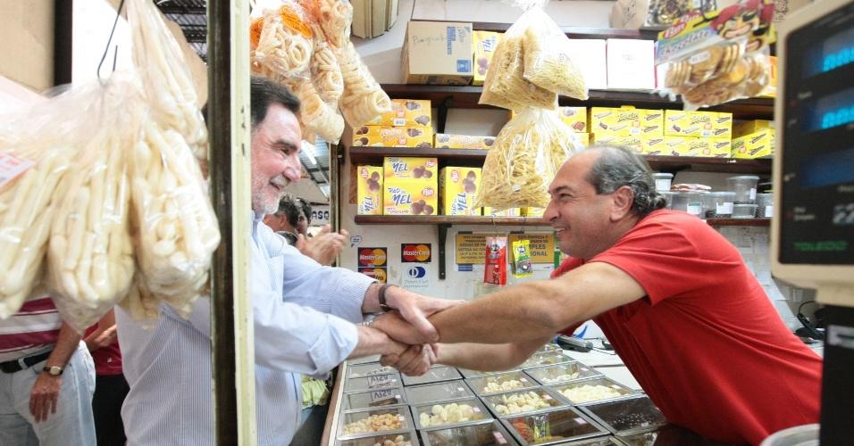 9.set.2012 - O candidato do PT à Prefeitura de Belo Horizonte, Patrus Ananias, visita o Mercado Distrital do Cruzeiro