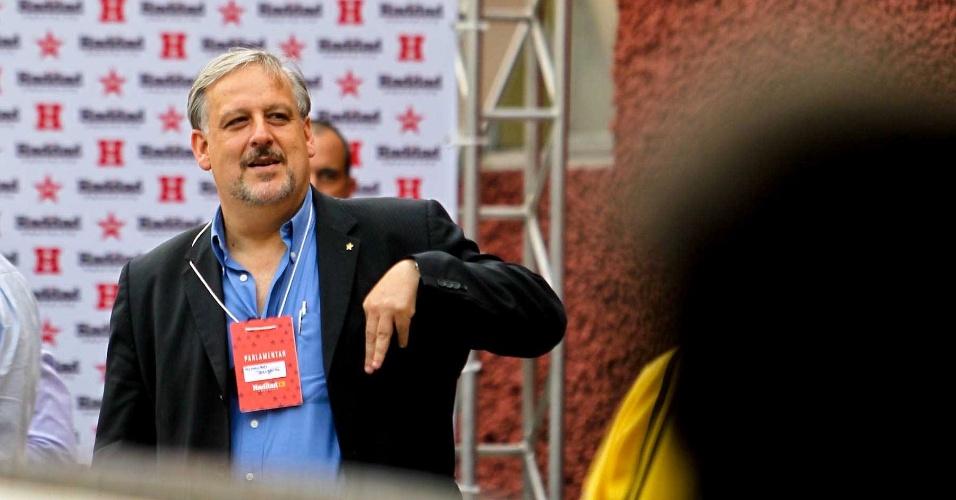 11.set.2012 - O deputado federal Ricardo Berzoini (PT) participou do evento do candidato do PT à Prefeitura de São Paulo, Fernando Haddad, com ex-presidente Luiz Inácio Lula da Silva nesta terça-feira (11)