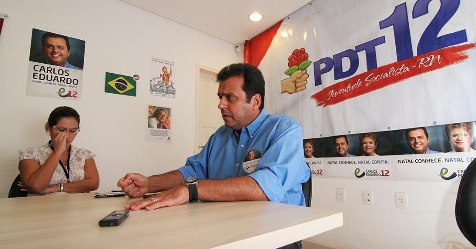 12.ago.2012 - O candidato a prefeito de Natal Carlos Eduardo (PDT), líder nas pesquisas, convocou uma entrevista coletiva nesta quarta-feira para oficializar sua rejeição ao apoio político da prefeita Micarla de Souza (PV), que havia declarado voto no candidato do PDT