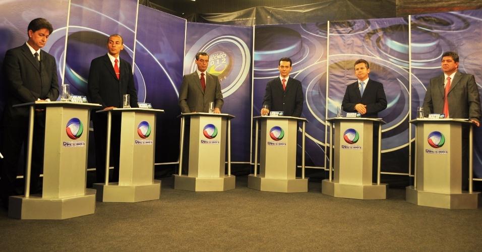 14.set.2012 - Candidatos à Prefeitura de Cuiabá participaram do primeiro debate na TV, realizado pela Record
