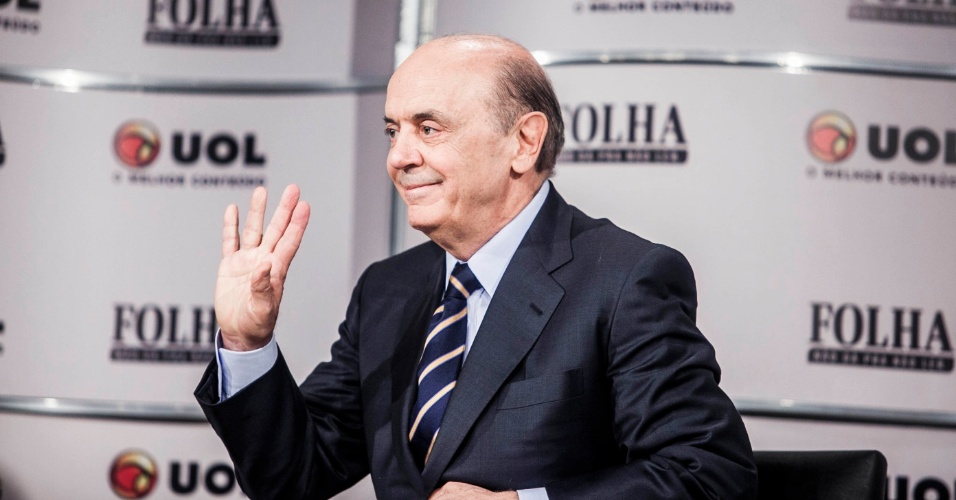 14.set.2012 - O candidato do PSDB à Prefeitura de São Paulo, José Serra, participa da sabatina Folha/UOL