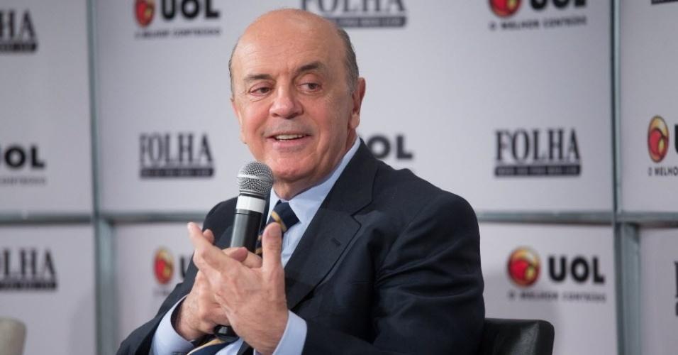 14.set.2012 - O candidato do PSDB à Prefeitura de São Paulo, José Serra, participa da sabatina Folha/UOL