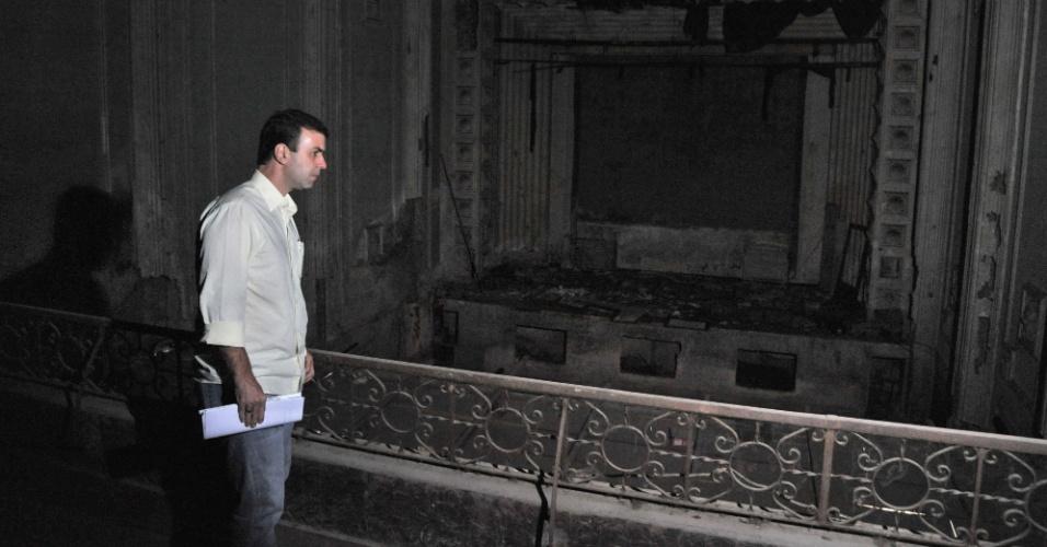 14.set.2012 - O candidato Marcelo Freixo (PSOL) Marcelo Freixo (PSOL) visitou o antigo cinema Cachambi, na zona norte, e fez propostas para a revitalização de cinemas e teatros abandonados na cidade