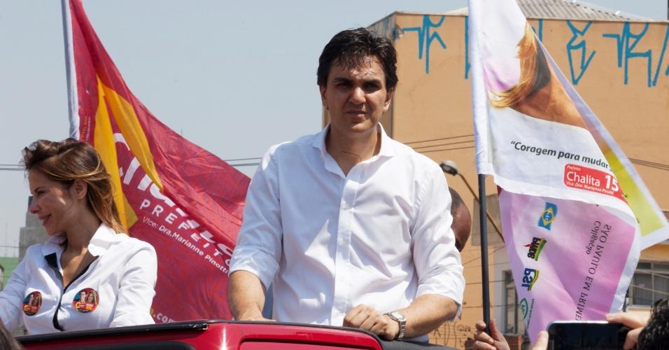 15.set.2012 - O candidato do PMDB à Prefeitura de São Paulo, Gabriel Chalita, participa de carreata na tarde de sábado, na zona norte da capital paulista