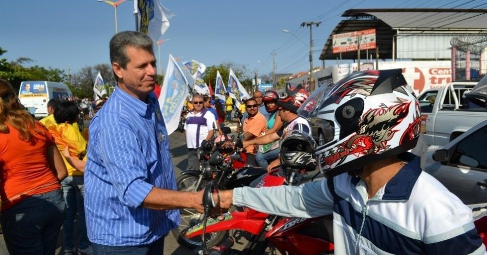 16.set.2012 - Marcos Cals, candidato do PSDB à Prefeitura de Fortaleza, visitou na manhã deste domingo os participantes da motoromaria Fortaleza-Canindé