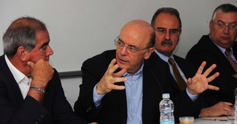 17.set.2012 - José Serra, candidato do PSDB à Prefeitura de São Paulo, participou nesta segunda-feira do ciclo de debates