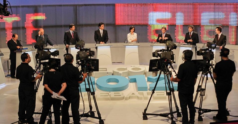 17.set.2012 - Os candidatos à Prefeitura de São Paulo se posicionam nos estúdios da TV Cultura para o debate