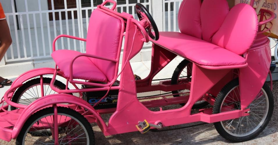 Moradores que não sabem andar de bicicleta, podem alugar um bicitáxi
